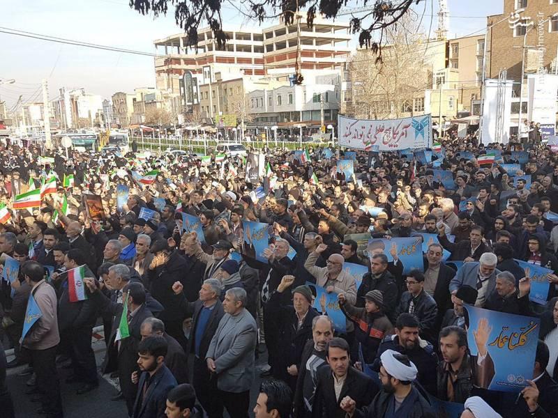 راهپیمایی مردم ارومیه علیه آشوبگران