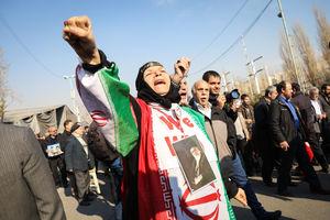 عکس/ راهپیمایی مردم تهران علیه آشوب گران