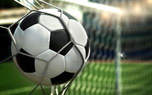 فیلم/ وقتی توپ فوتبال بومرنگ میشود!