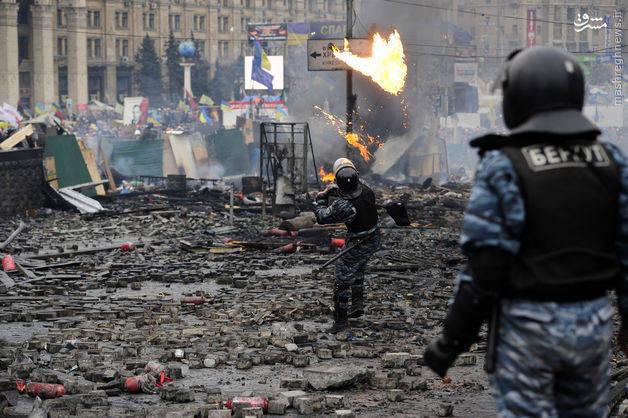 2159212 - اوکراینِ تجزیهشده و ورشکسته