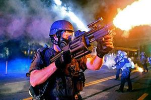 فیلم/ کشورهای مختلف با معترضان چه میکنند؟