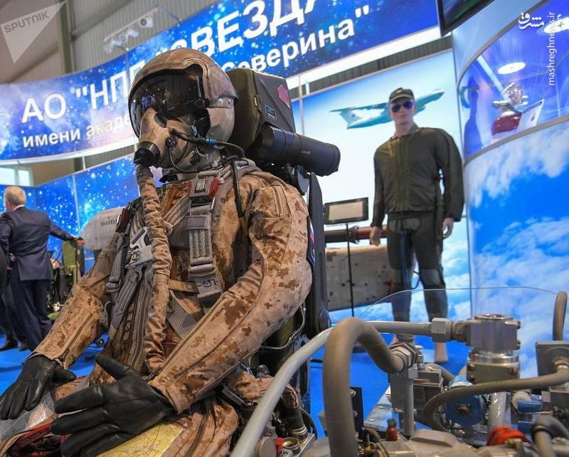 لباس خلبانی و صندلی خلبانی برای هواپیمای نسل 5 به نام تی-50