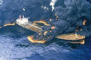 سرنوشت نفتکش ایرانی؛ انفجار یا غرق شدن؟