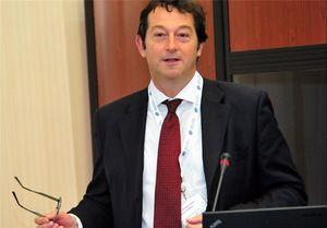 ابراز تأسف سفیر انگلیس در تهران از تعرض به سفارت ایران