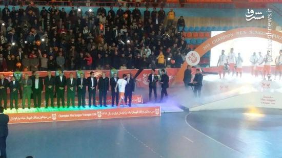 عکس/ وزیر ورزش در جشن قهرمانی فوتسال