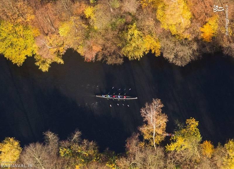 قایقرانی   آلمان/ورزشکاران رشته روئینگ (Rowing)، میان آبراهه ای در شهر هامبورگ.