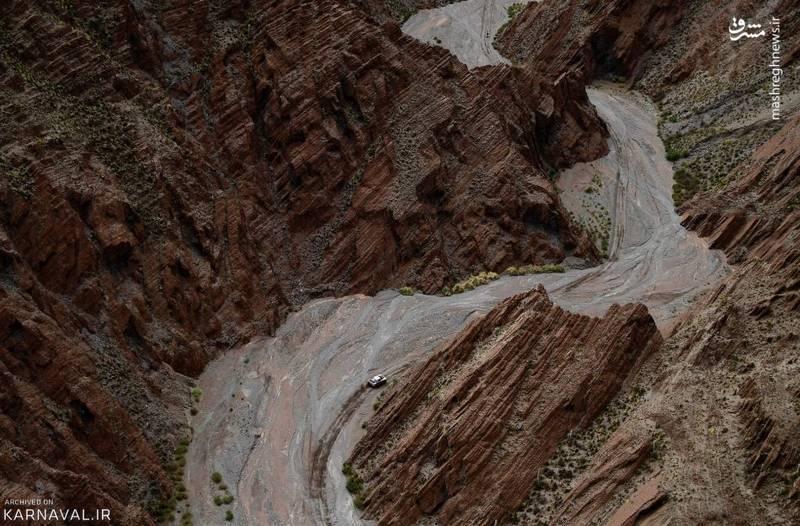 مرحله هشتم رالی داکار ۲۰۱۷   بولیوی/سباستین لوب (Sébastien Loeb) و دستیارش دنیل النا (Daniel Elena) از تیم پژو، مسیر بین شهر اویونی (Uyuni) بولیوی و سالتا (Salta) آرژانتین را می پیمایند.