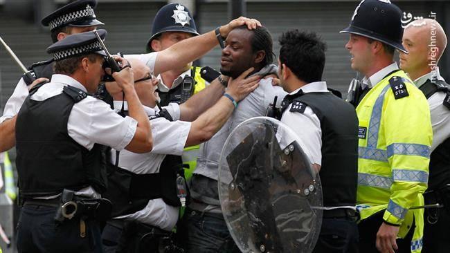 «همکاری کامل» پیام رسان «بلَک بِری» با پلیس بریتانیا برای شناسایی آشوبگران +عکس