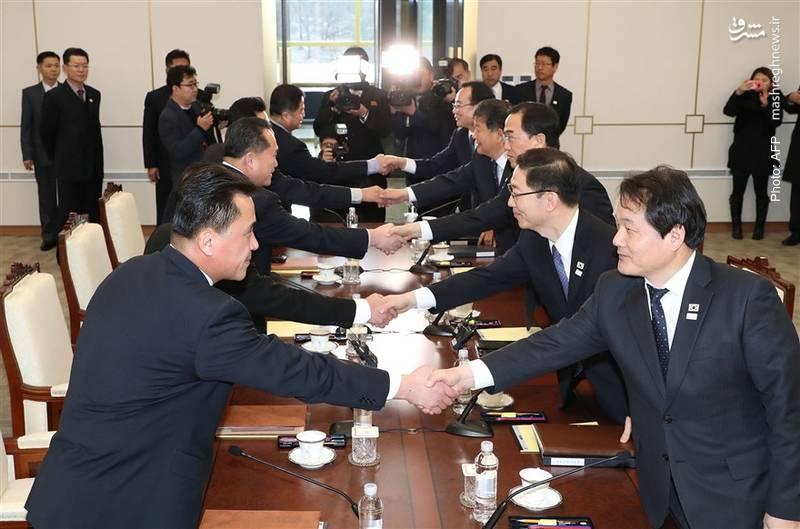 دیدار نمایندگانی از دو کره در روستای مرزی پانمونجُم