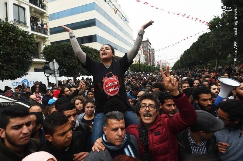 سیصد نفر طی چهار روز در تظاهرات مردم تونس علیه سیاست های ریاضتی بازداشت شدند.