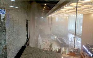عکس/ طبقه دوم ساختمان بورس اندونزی فروریخت