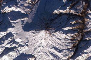 فیلم/ قله دماوند، 60 سال قبل !