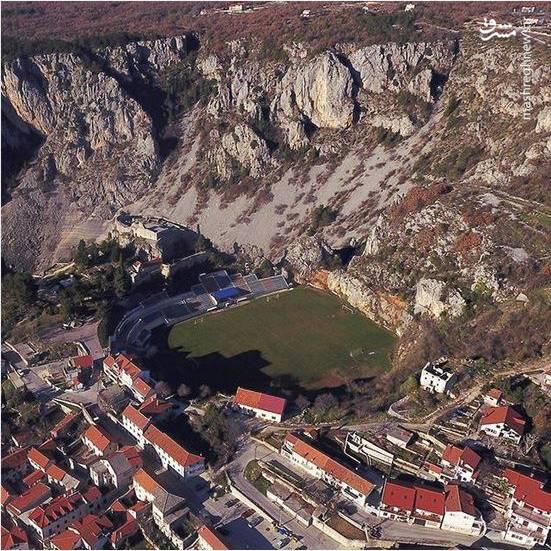 عکس/ زمین فوتبال زیبای کوهستانی در کرواسی