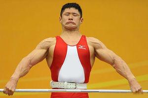 فیلم/ تمرین عجیب وزنهبردار روس