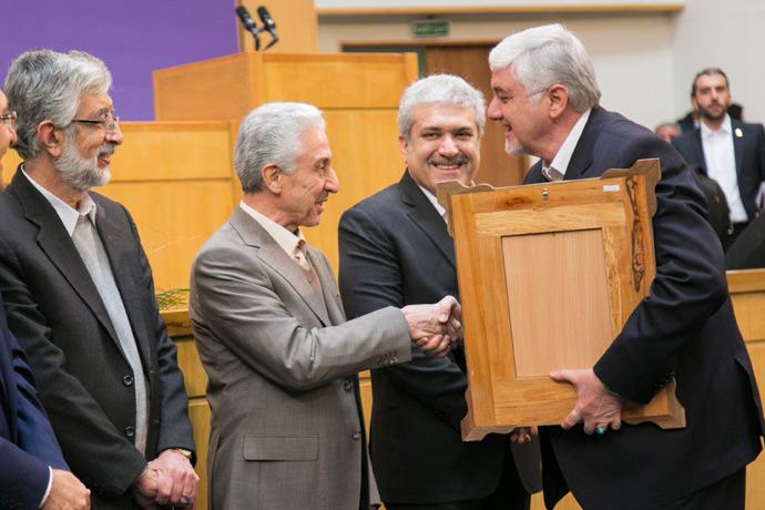 در جشنواره بین المللی فارابی، انجمن مدیریت ایران، به عنوان انجمن علمی برتر معرفی شد
