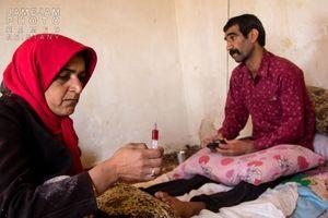 عکس/ مردی که دامهایش را برای درمانش فروخت