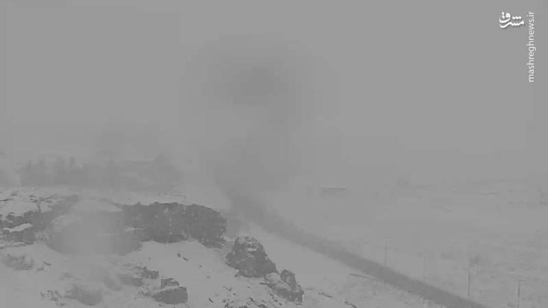 محوردلیجان-اصفهان بارش برف 30دیماه ساعت:09:20