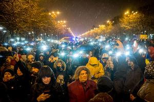 تظاهرات دهها هزار نفری علیه فساد دولتی
