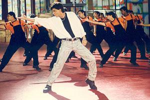 فیلم/ عاقبت رقص هندی وسط خیابان!