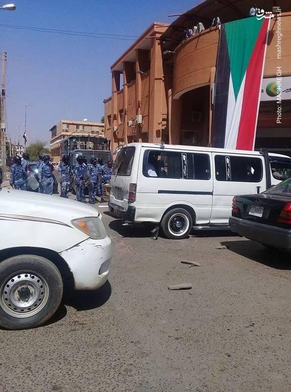 تظاهرات مردم سودان علیه عمر البشیر