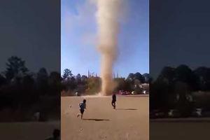 فیلم/ گردبادی که از فوتبال جذابتر بود!