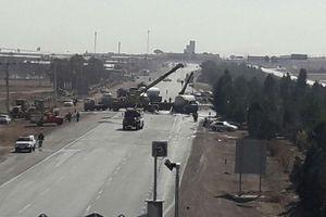 عکس/ واژگونی تانکر حامل گاز مایع در اصفهان