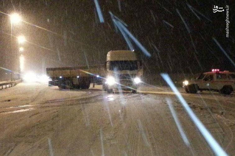 بارش برف شدید در جاده هراز