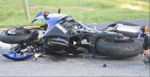 فیلم/ بیتفاوتی موتورسوار به تصادف دو موتورسوار