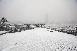 تعطیل شدن پل طبیعت بعلت بارش برف