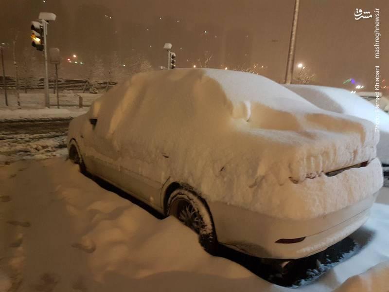 دفن شدن وسایل نقلیه در برف سنگین تهران
