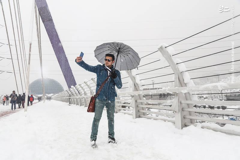 سلفی در هوای برفی