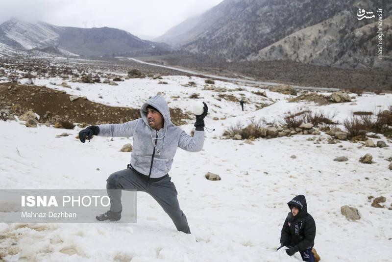 در استان گرمسیر خوزستان منطقهای وجود دارد که در فصل زمستان از برف سفید پوش میشود.