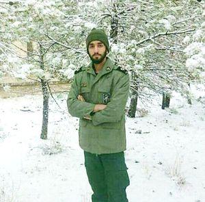 عکس یادگاری شهید حججی در برف