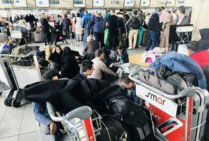 عکس/ مسافران فرودگاه امام (ره) همچنان سرگردان هستند