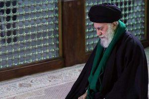 نماز رهبرانقلاب در مرقد مطهر امام خمینی(ره)