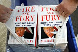 فیلم/ کتابی که باعث رسوایی ترامپ شد