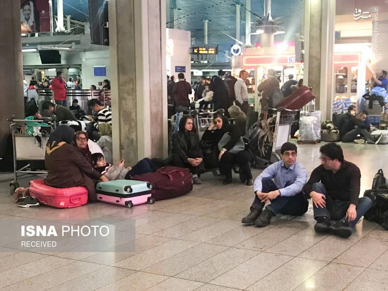خستگی مسافران به دلیل انتظار طولای در فرودگاه