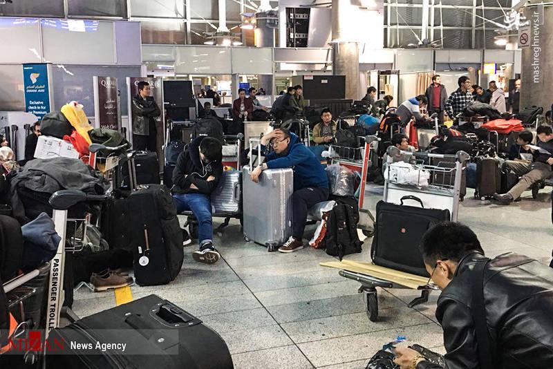 خستگی و کلافگی مسافران خارجی در فرودگاه