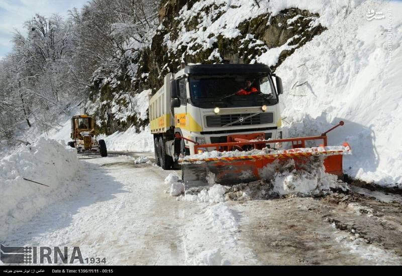 عملیات برف روبی جاده سیاهکل به گیلان