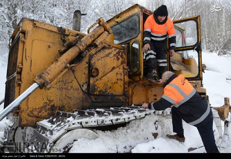 عملیات بازگشایی جاده کوهستانی سیاهکل به دیلمان