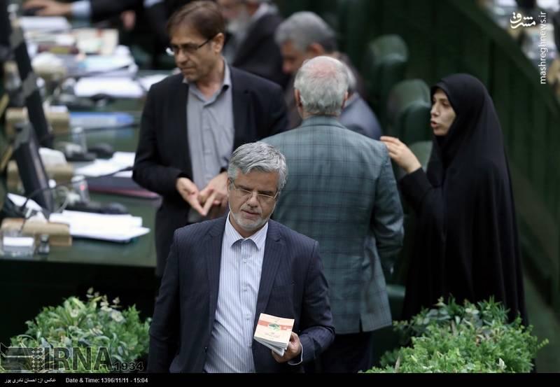 محمود صادقی که این روزها بیش از مجلس، در توییتر باید او را دنبال کرد