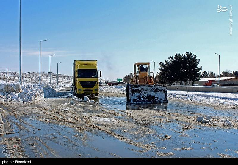امدادرسانی سپاه به مردم گرفتار در برف