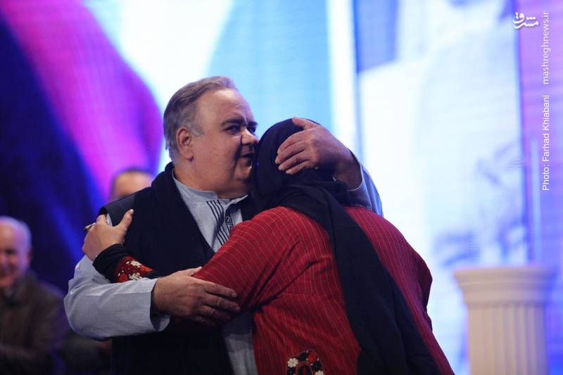اکبر عبدی با ابراز محبت به همسرش، از زحمات او در سالهای پرکارش، قدردانی کرد