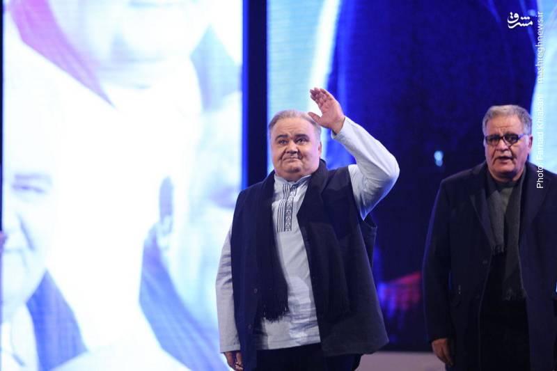 بخش تقدیر از اکبر عبدی در مراسم افتتاحیه فیلم فجر