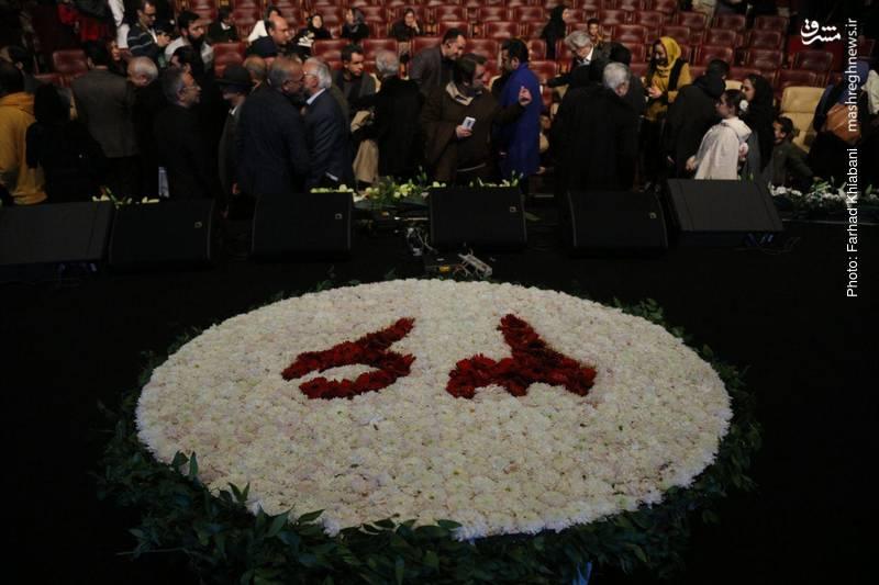 گل آرایی به مناسبت افتتاح سی و ششمین جشنواره فیلم فجر