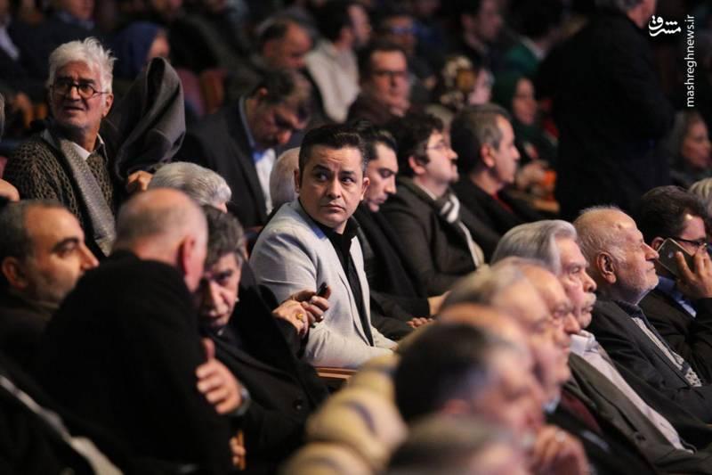 افشین زی نوری نیز در مراسم افتتاحیه جشنواره فیلم فجر حضور داشت.