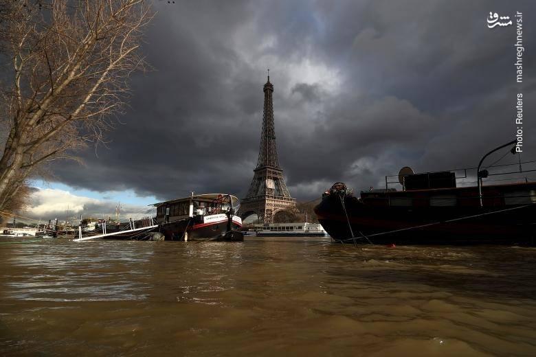 تصویری از ایفل و اطراف آن پس از پایان بارشهای مستمر در پاریس