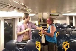 فیلم/ کتککاری عجیب در مترو