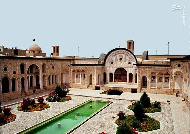 خانه طباطبایی ها یکی از خانه های تاریخی و زیبای شهر کاشان است