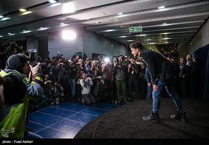 عکس/ ژست عجیب «ساعد سهیلی» در جشنواره فیلم فجر